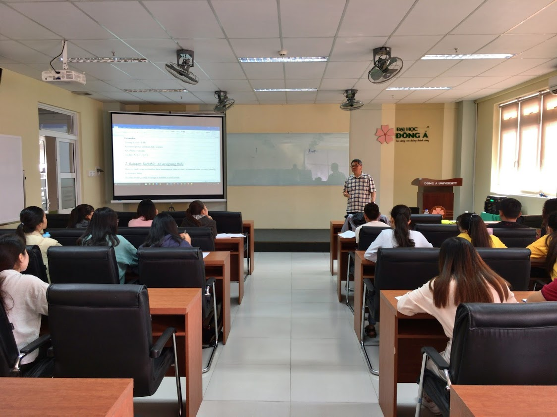 """Statistics and Probability"" class of Professor Fred Hyunkon Kahng (Korea)"