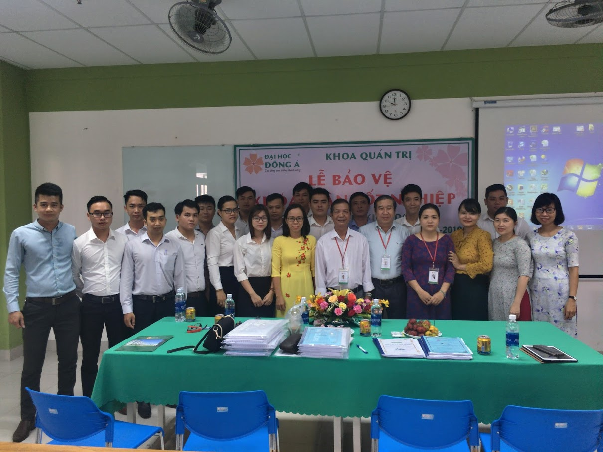 The defense ceremony of graduation thesis from Faculty of Business Administration at college to university bridge level 2016-2019 Course & 2017-2019 Course at Dong A University
